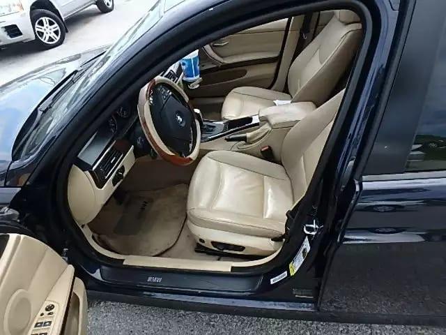 mark x二手车 2007 BMW 328i,跑了10w出头,一看车主就是爱车之人 外观无明显划痕