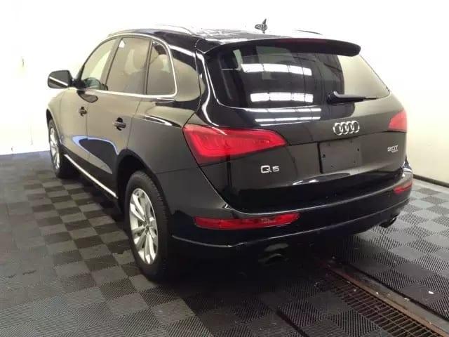 3w预算就买它,audi Q5开回家,全景天窗顶呱呱,幸福安全你我他。2013 Audi Q5,里程33k,不到3w即可开走,还是高配哦。