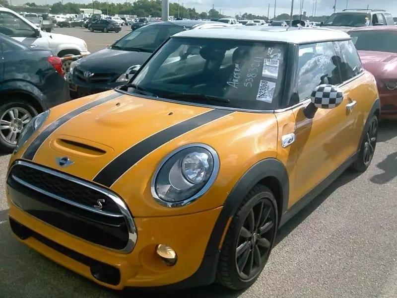 收二手车 2014准新车入库,mini cooper S!新款造型+新款内饰