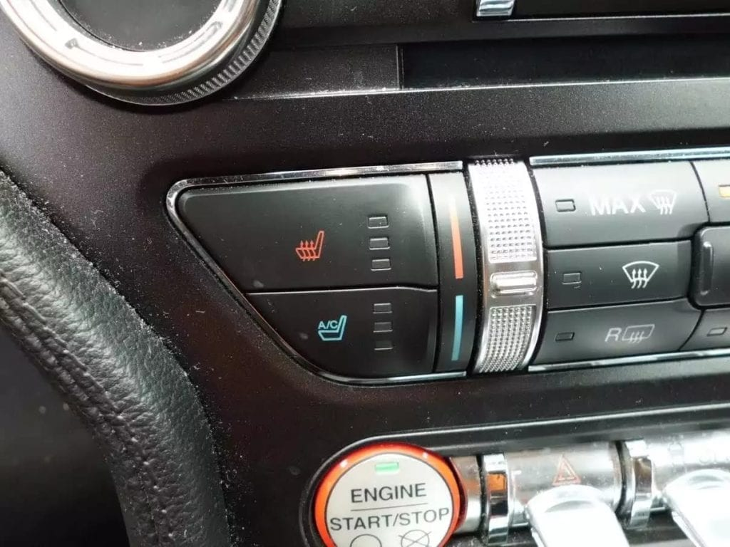 买二手车流程 2015 Ford Mustang premium,2.3T premium版带来310匹 力