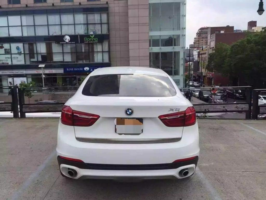 2015 BMW X6 35i xdrive 跑了不到1w迈,高配:导航/倒影/天窗/氛围灯光齐全。