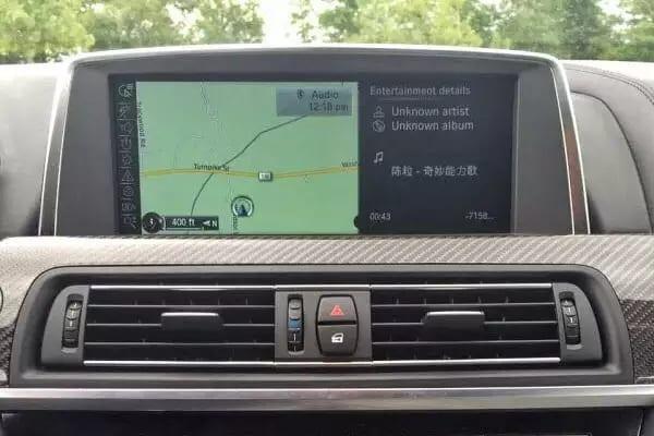 2014 BMW M6 里程:16k,太空灰 一直有贴保护膜外漆非常新,全真皮包裹+碳 加热方向盘 Executive pkg