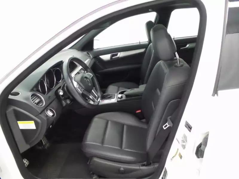 2013 梅赛德斯奔驰 C300,4matic四轮驱动,仅34kmiles,导航倒影齐全