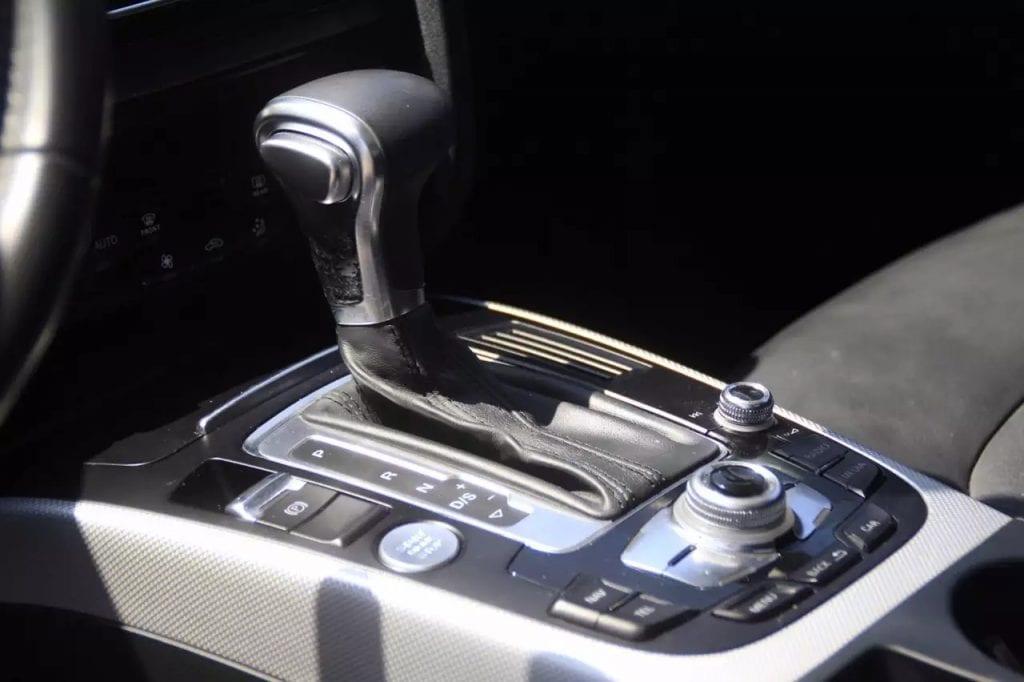 2013 Honda Accord !里程:52kmiles。价格:1打头。15000左右预算的朋友看过来  机油刚换