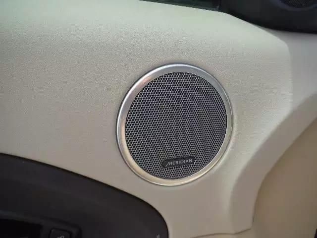 2013 陆虎Evoque,pure premium 高配版本,里程:37k。配置都有,高级音响,aux播放器,全景天窗