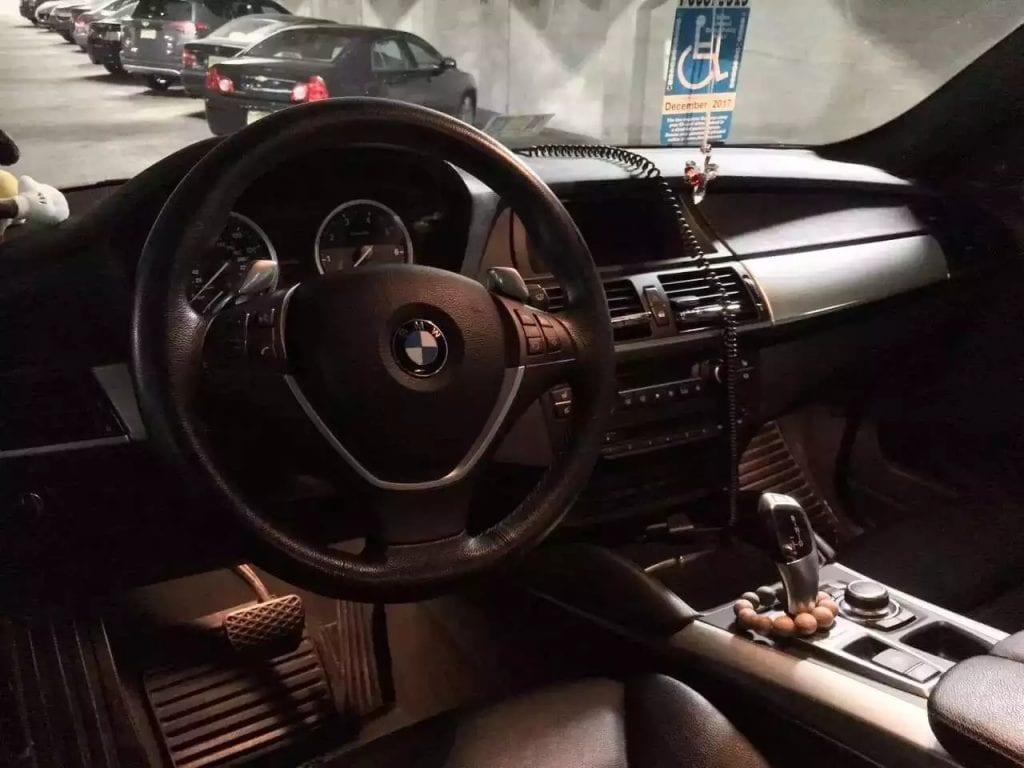 2011款BMW X6 Xdrive50i 4.4L TwinPower Turbo V8,Sport pkg Premium pkg Lighting pkg 倒车雷达
