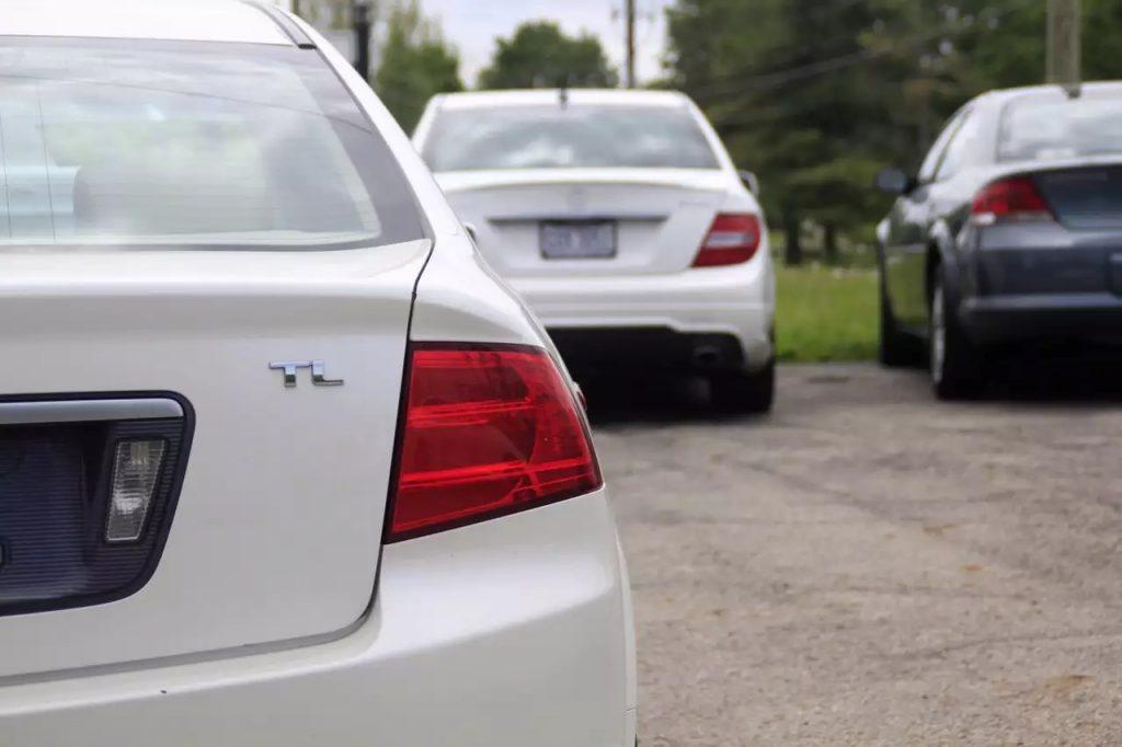 日系中的王者,2005 Acura TL,却比5系更持久。里程:113k,这是1w以内的最佳选择。