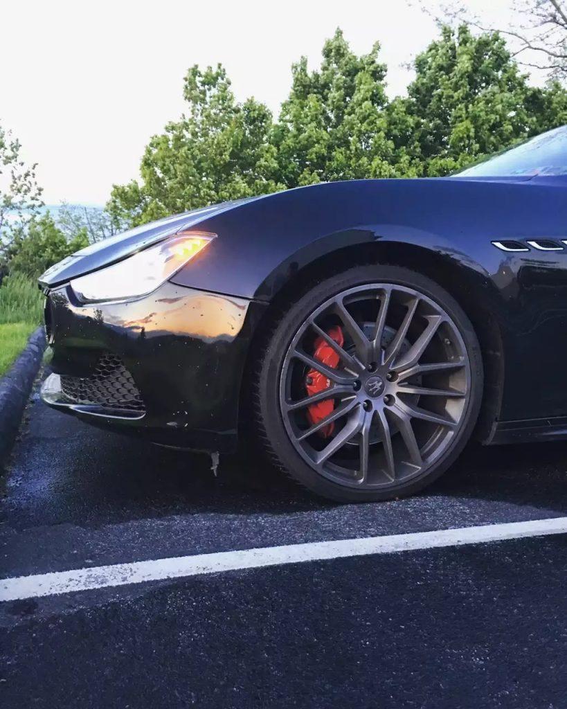 2015 玛莎Sq4,碳纤维内饰 ,premium轮毂 红色卡钳,新车超9w,现价6打头,私人车。