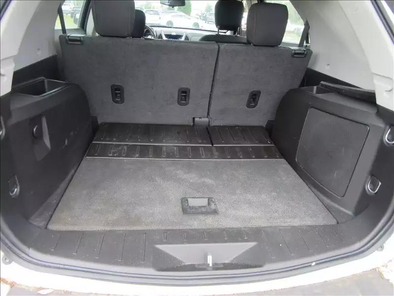 2013 雪弗兰 Equinox,里程:59k,价格不到1w5。超大内部空间,搬家旅行专用车。