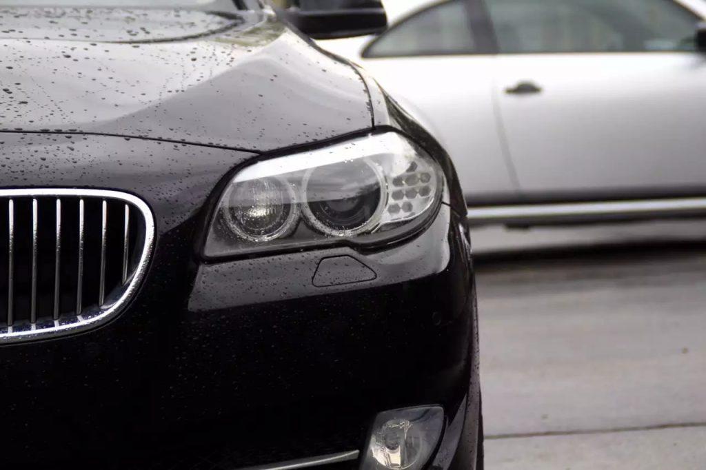 2012 BMW 528ix,里程:29k、配置超高:导航/影像/距离感应/电动后盖。价格不到3w。