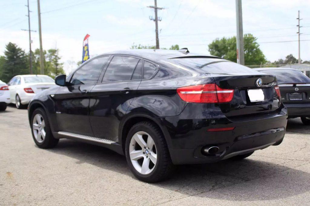 2010 BMW x6,车况良好,价格不到3w, 新换的四个轮胎,欲购从速。