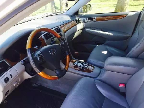 还有要lexus的吗,请速度咨询,2005,低miles,不到1w。