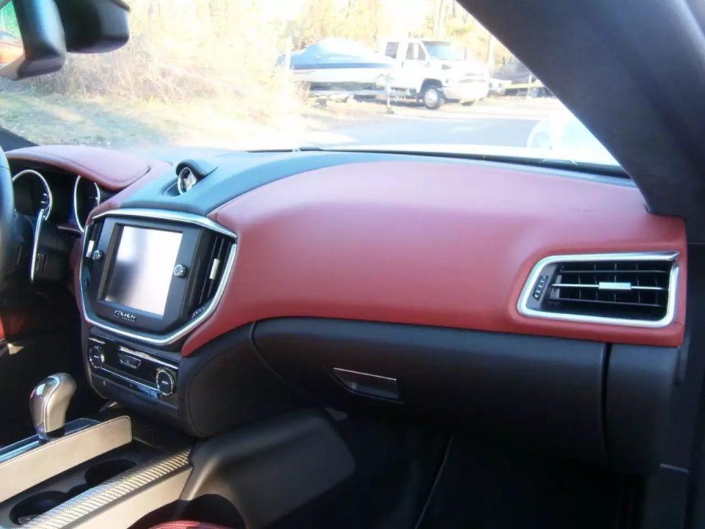 2014 Maserati Ghibli SQ4,里程:7k,是一台能让你开起来感觉快乐的车子。价格:6w出头。