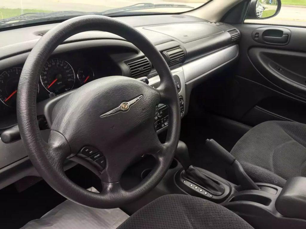 代步车来一发,2006 克莱斯勒Sebring,里程:99k。2.7 V6 发动机,动力可观,价格:3xxx。