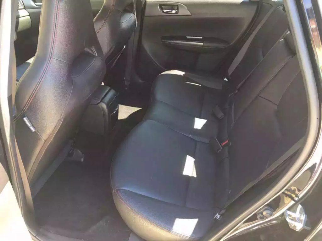 2013斯巴鲁WRX STi,迈数37000,价格2打头!无事故 车况好!