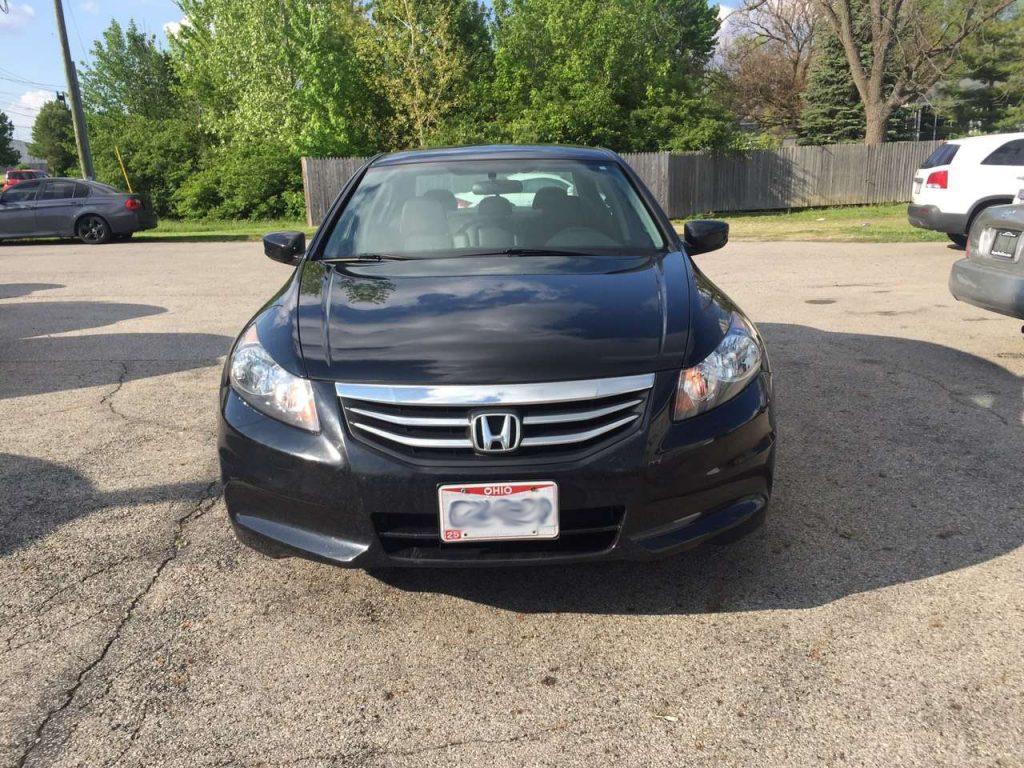 保值日系,价格给力。2011 Honda Accord SE,全皮内饰,里程超低:28k,内饰超干净。