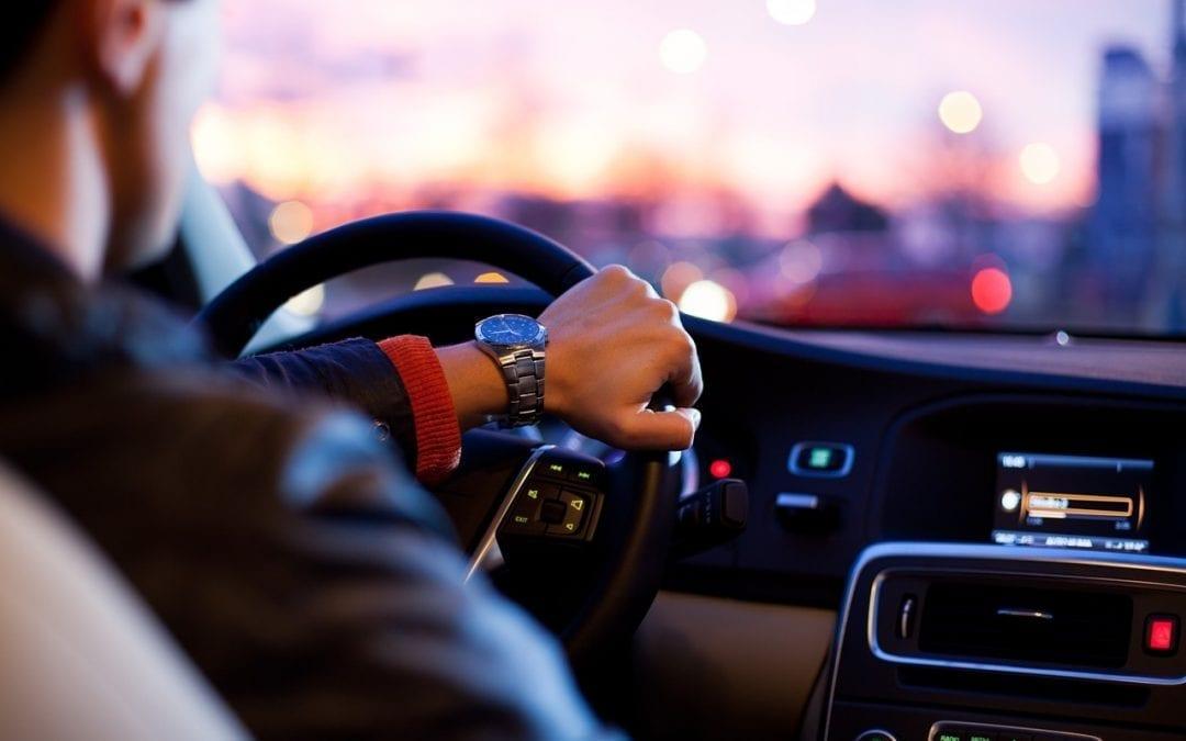 """方向盘后面这些""""棒棒"""",换辆车你就都不会用了!"""