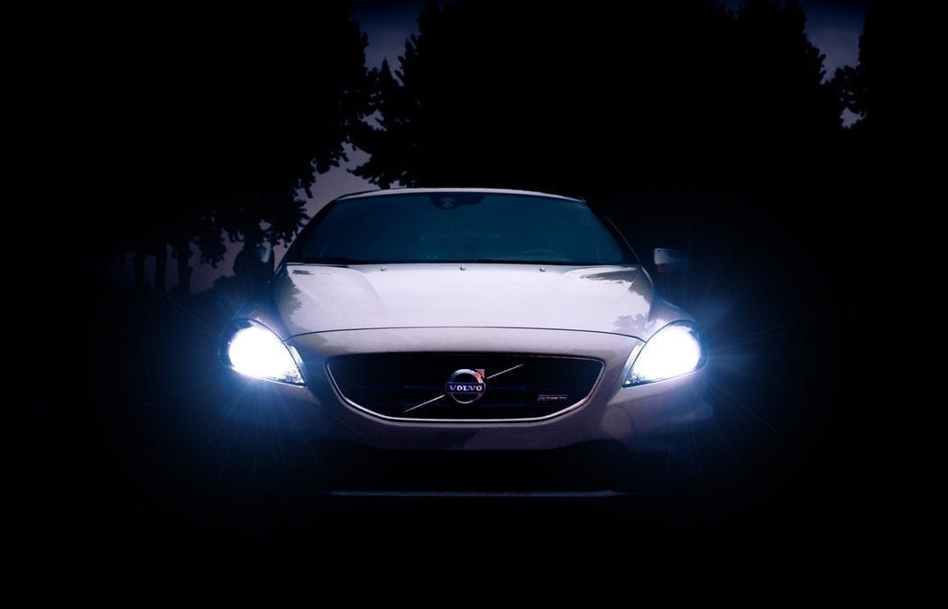 交通笔试一定会考你的:远光灯以及大光灯的使用规定