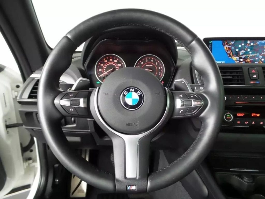 美国买车签合同 2016 M235i Xdrive,不仅是四驱,动力方面也是相当唬人