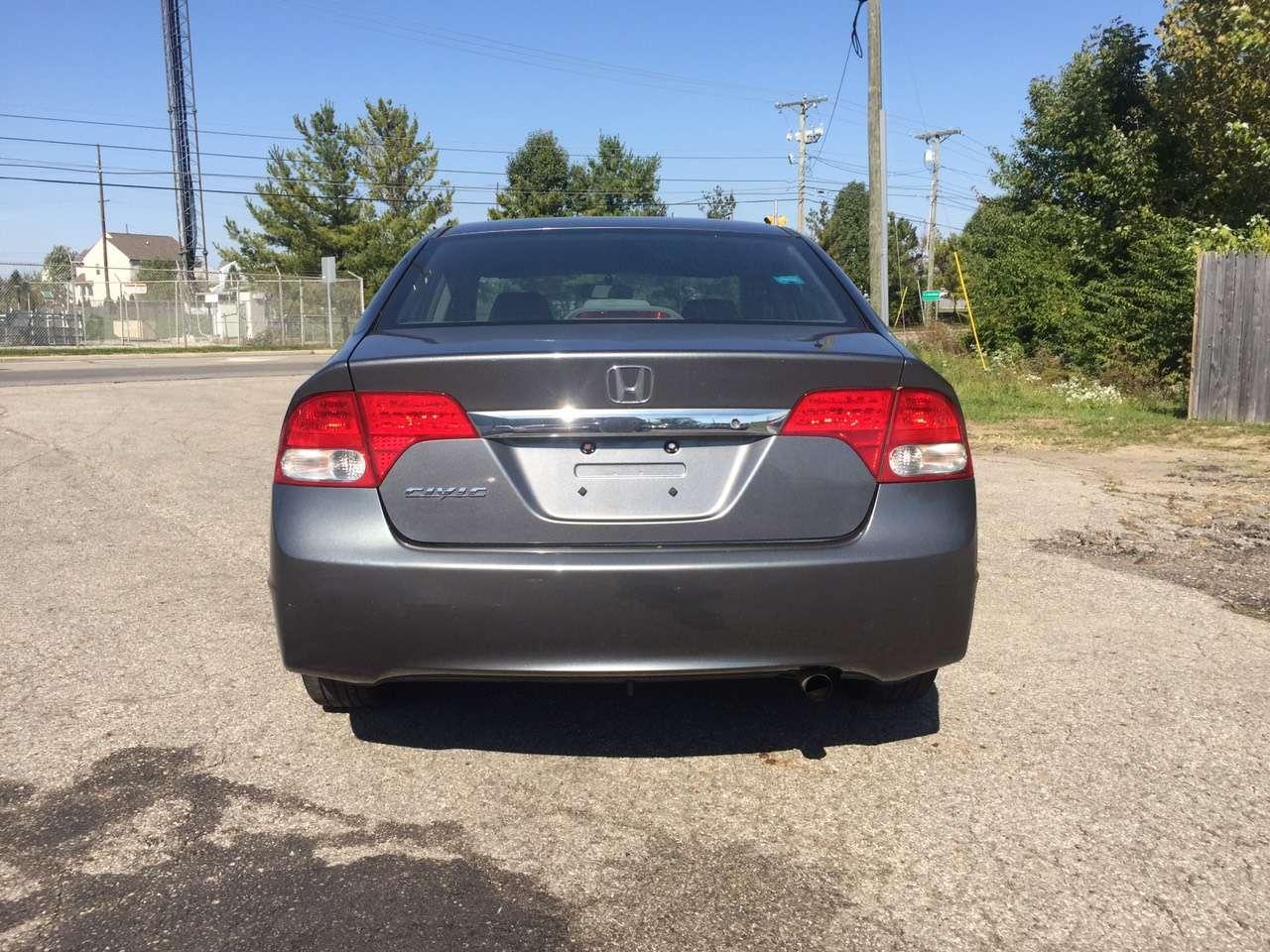美国买车要带什么 代步车周末特价 2009 Honda Civic,里程7w2,价格8xxx