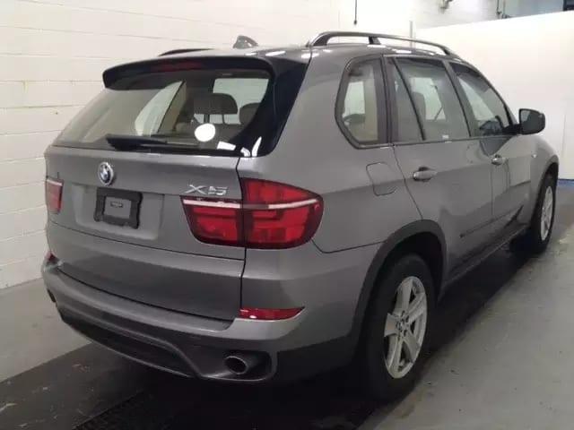 美国二手车付款 2013 bmw x5,里程6w,价格特别好,欲购从速。