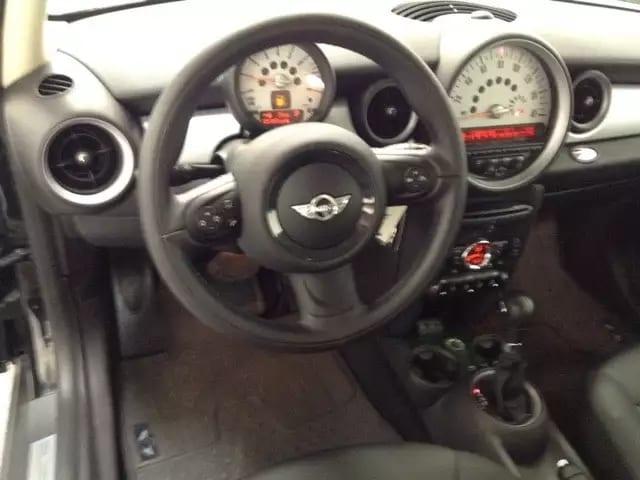二手车线上估价 2013 MINI COOPER,皮座高配版本,里程仅31k,车况良好无事故
