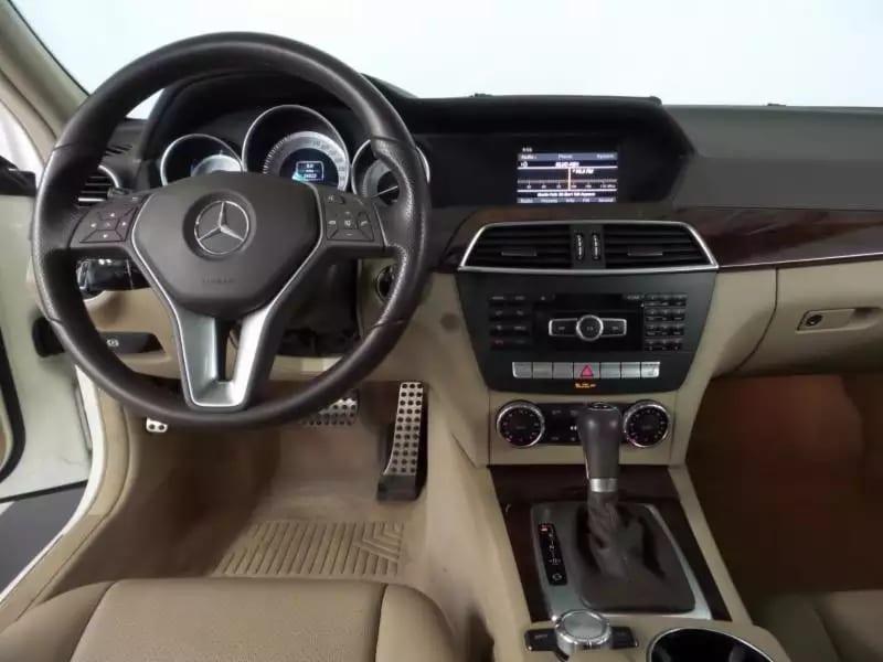 美国二手车app 2012 Mercedes Benz 四驱,12新款,内饰干净,Amg轮毂