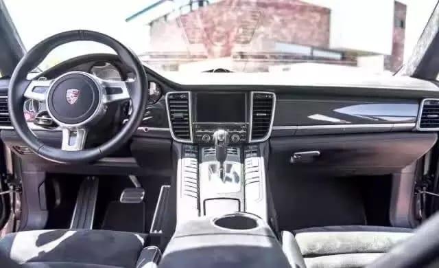 二手车讯杂志 2015保时捷Panamera GTS,配置应有尽有迈数1w多,车况无敌配色稀有!