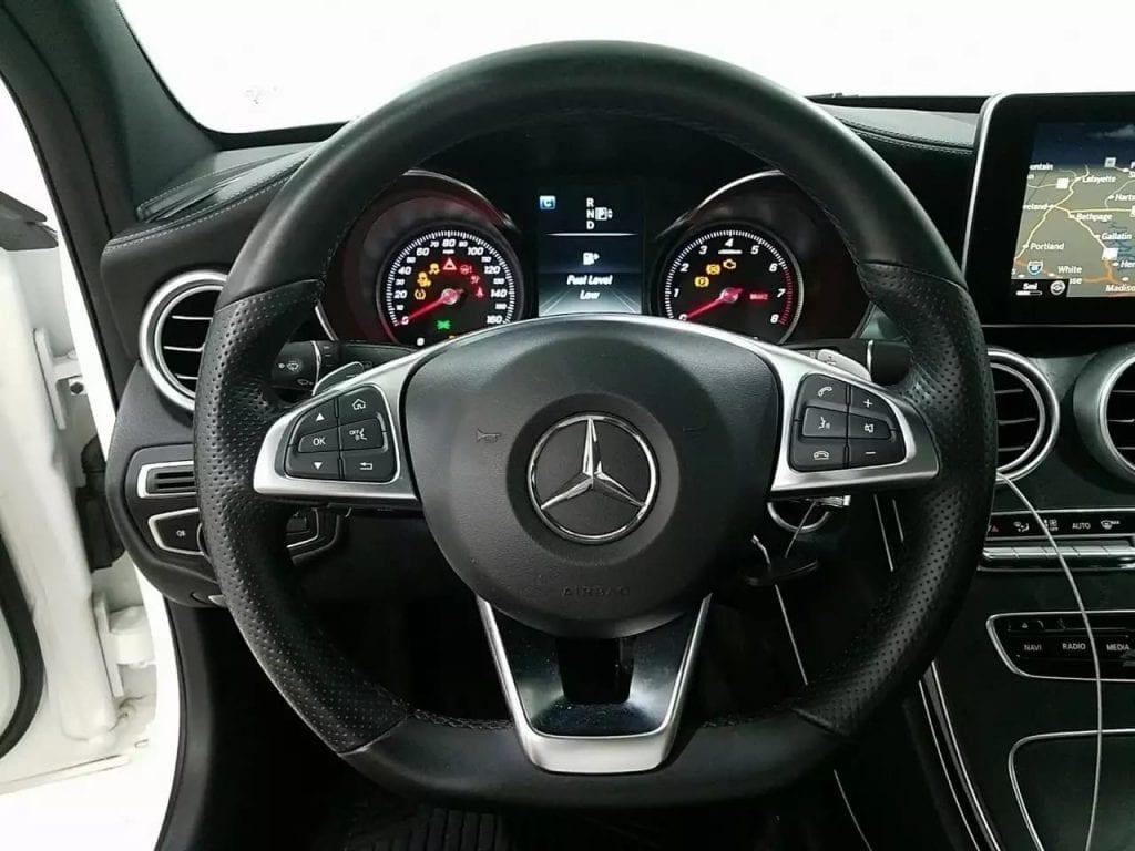 991.2 turbo s二手车 2015 奔驰C300 4MATIC AMG套件 里程:27k 价格3打头