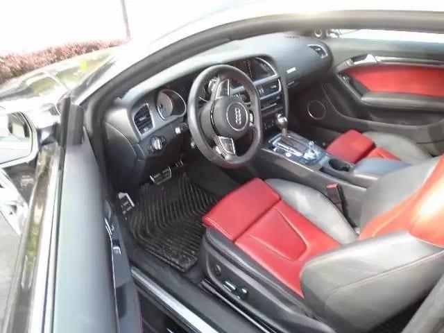 二手车天书 2014 AUDI S5,里程只有21k,外黑内红,帅不可挡。不仅有加速度