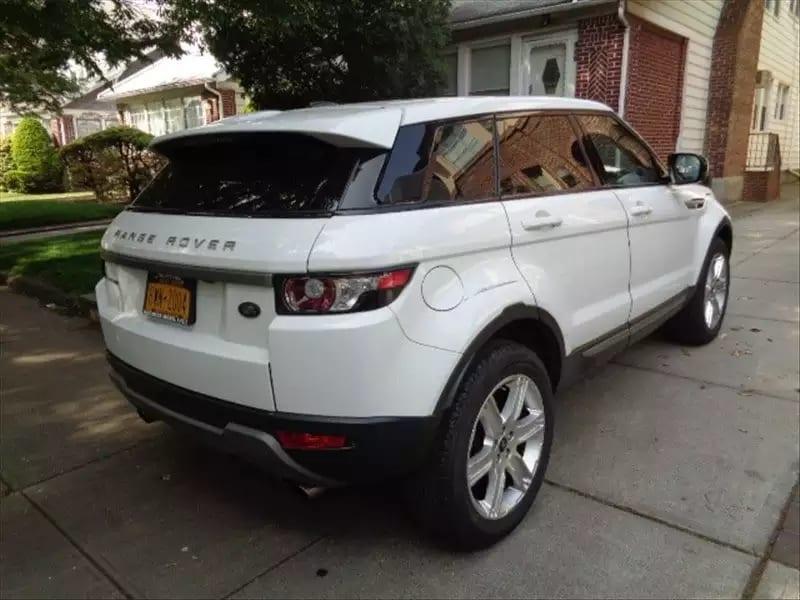 二手车如何看 2013 陆虎 EVOQUE 极光,里程仅22k,车况良好,白色内米经典配色