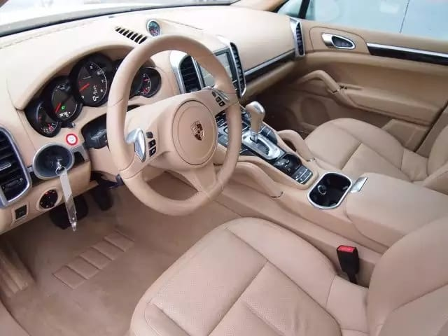 二手车阿德莱德 2013 经典配色 保时捷 卡宴,里程:3w,价格4xxxx。
