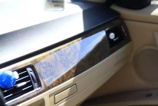 2006 bmw 3系,bmw独特Hid大灯,天使眼,皮质座椅,桃木内饰,天窗。