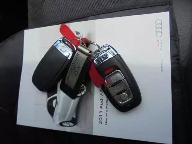 2013 Audi A5 premium plus,led眼线灯,quattro四轮驱动,mmi系统中控