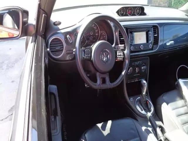 2013 甲壳虫turbo,提速快,油耗低,造型炫酷,里程:38k,价格:15xxx!