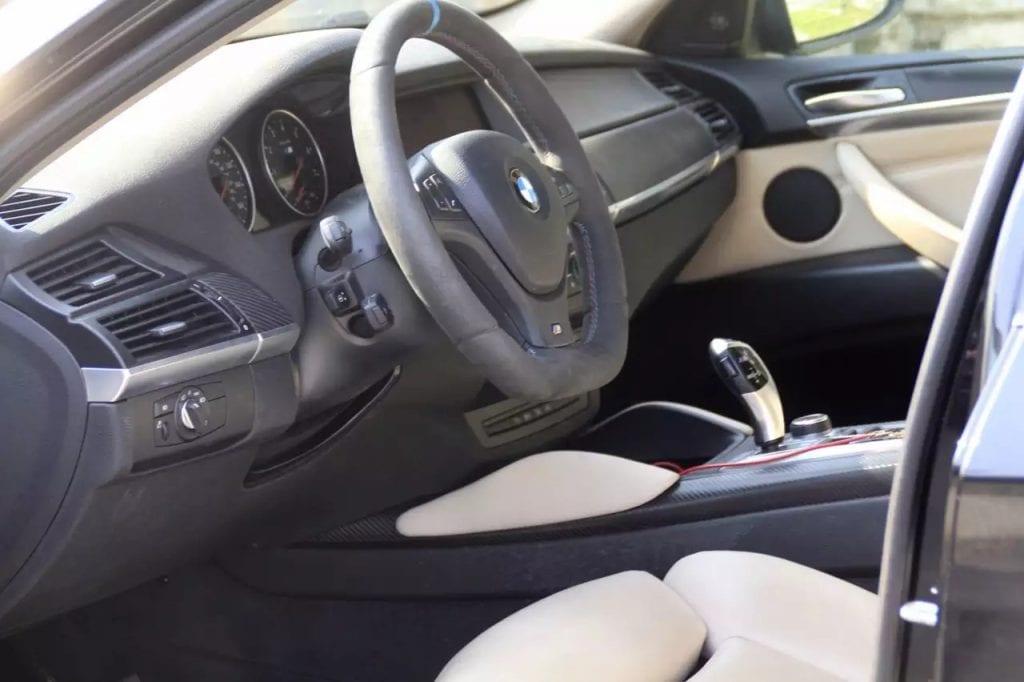 2014 BMW X6,外观内饰排气全改的,改装费用高达2w,现在免费随车赠送,