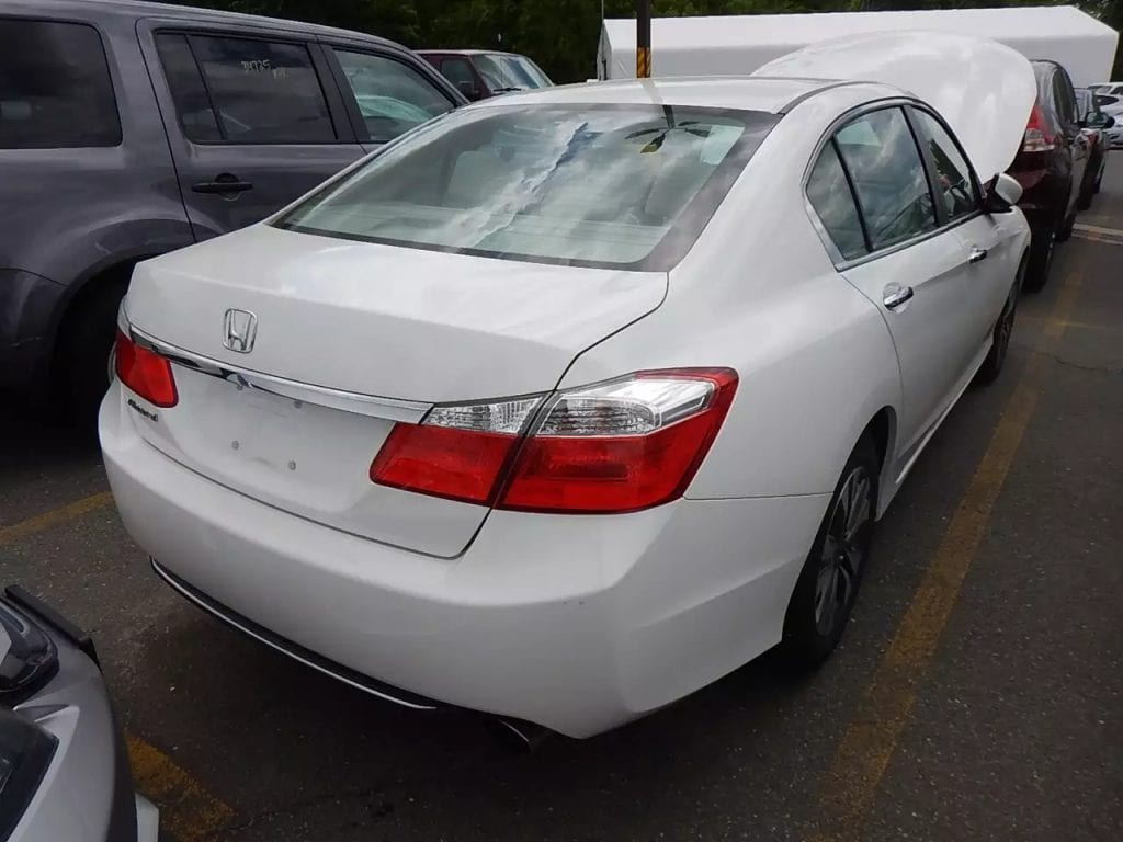 2013 Honda Accord,里程:34k,价格一样给力:15xxx,无事故personal car,买车就找车友会,周末给你免运费!
