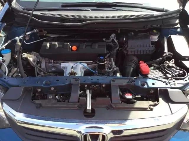 2012 Honda Civic LX 里程:68k,发动机运行平稳,车架完好无事故。