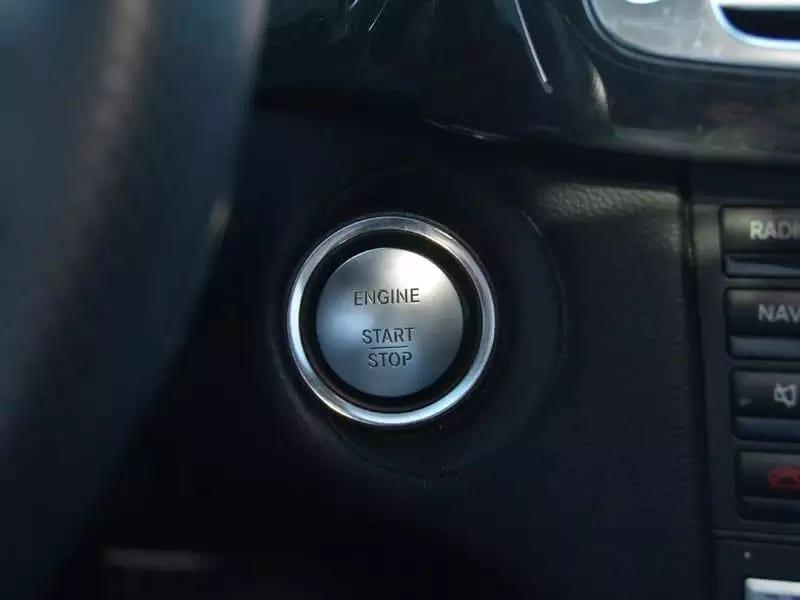 2013 CLS550, 30kmiles, 新车快9w,红色卡钳,无钥匙启动,导航倒影齐全