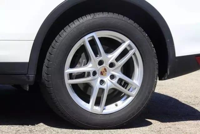 2014 Porsche Cayenne platinum白金版,最高级最豪华的配置,大屏幕/大天窗/大手笔!