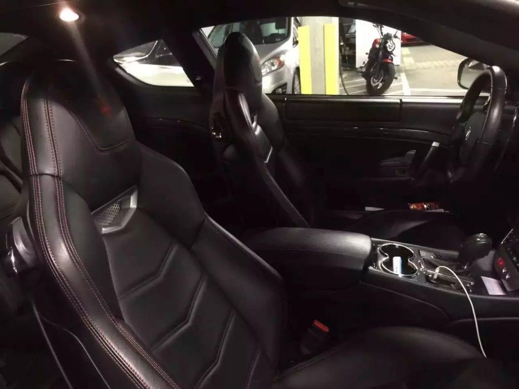 2013 Audi A5,城市小跑~ 配置:按键点火,大天窗,quattro四轮驱动,Hid大灯,里程:31k,价格不3w。