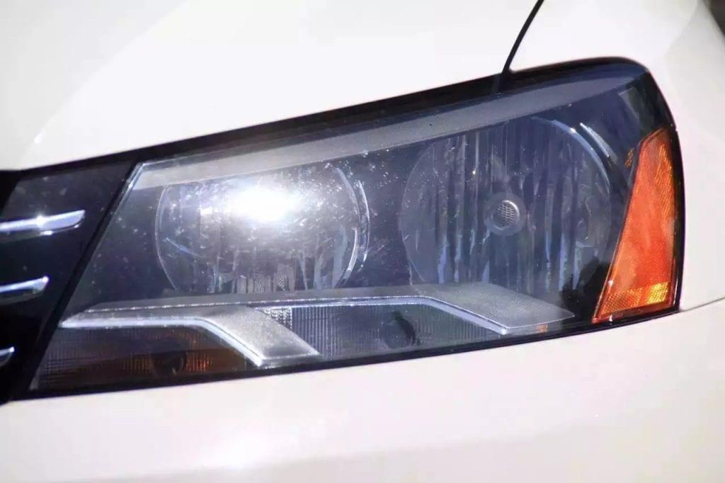 2013 Passat SE 重磅来袭 喜欢大白的快来看看。里程:36000miles。座椅加热/通风  多功能媒体大屏幕 外表无刮痕,一任车主。