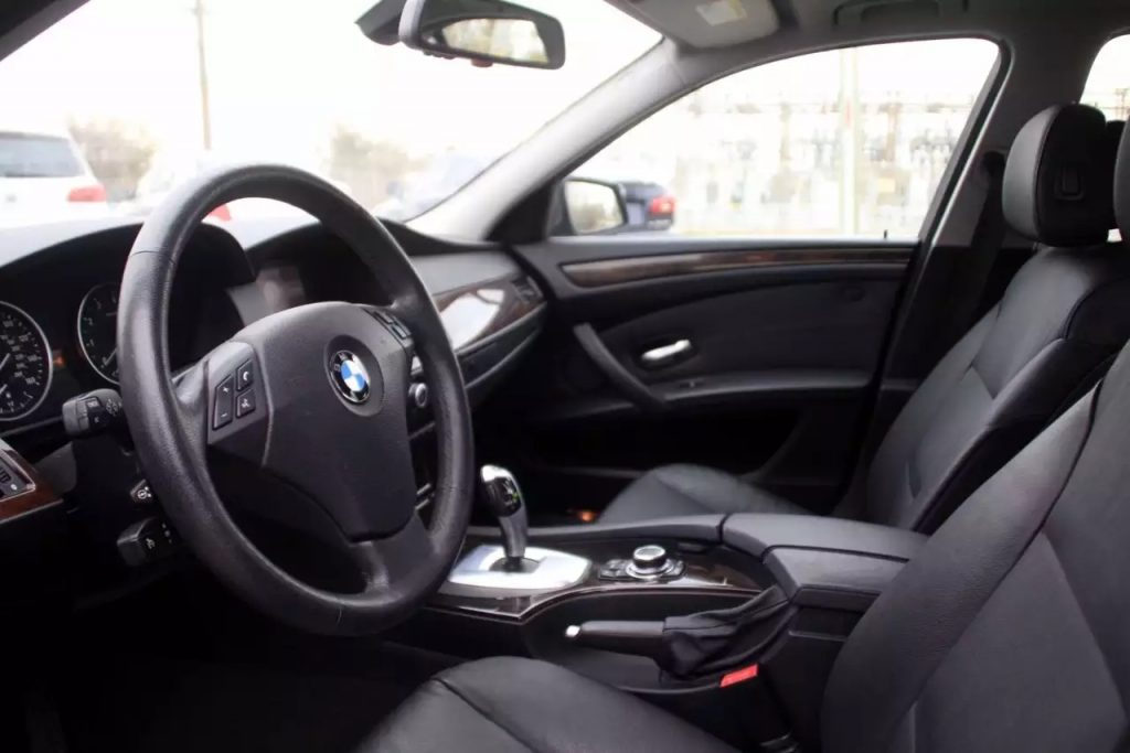 再发一台之前很的车,2010 BMW 528ix,里程:63k,价格1打头!